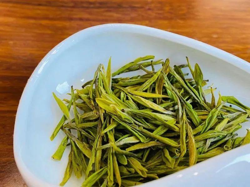 从一片树叶到一口芬芳,如何从茶香了解一款茶?