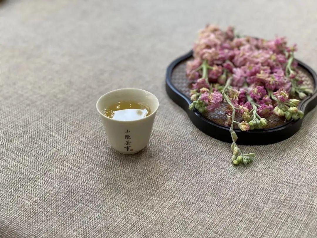 冲泡白茶一次放8克,味道还是很淡,究竟哪里出现了问题?